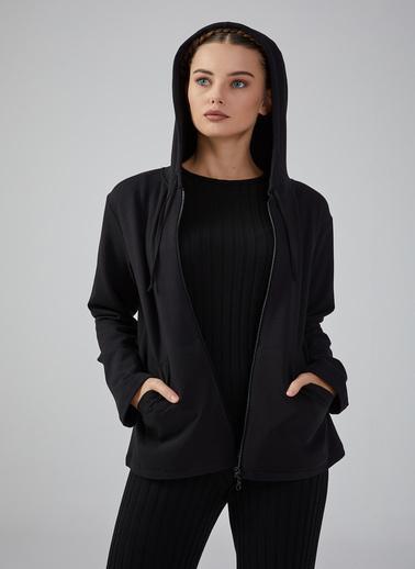 Gusto Kadın Siyah Kapüşonlu Önü Fermuarlı Sweatshirt 20KGN09001 Siyah